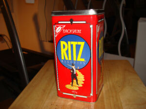 RITZ BOITE A BISCUIT FRED ASTAIRE-CHRISTIES