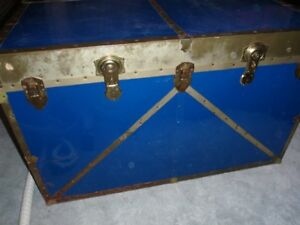 Large Metal Trunk-REDUCED TODAY!