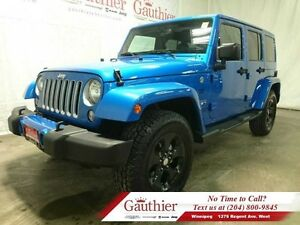 2016 Jeep Wrangler Unlimited Sahara 4x4 w/Remote Start *LOCAL*