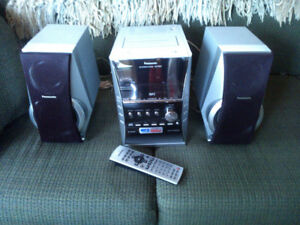 Stereo System. Panasonic SC-PM31 CD.