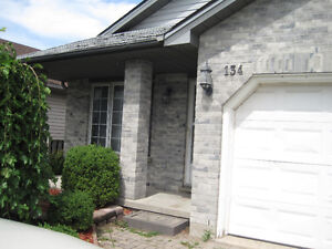 1 bedroom for rent April 1st- Fanshawe student house