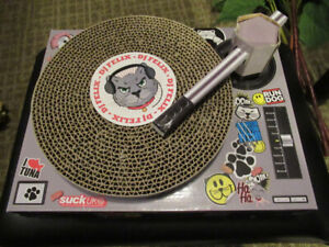 Cat Scratching Toy - Novelty DJ Mixing Deck/Turntable