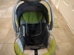 Baby Trend rear facing, easy adjust carseat London Ontario image 2