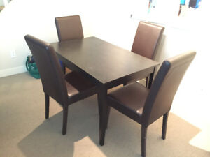 Dining Room Table & 4 Chairs Set