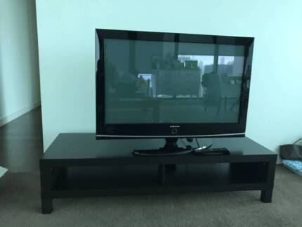 Samsung 40 inch TV plus TV stand (300$ for pick up this weekend)