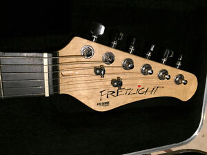 Fretlight 400 series electric guitar with Fender case and laptop Kitchener / Waterloo Kitchener Area image 4