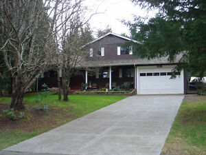 Acreage + 6br & 4Bath Home less than 5mins from downtown Nanaimo