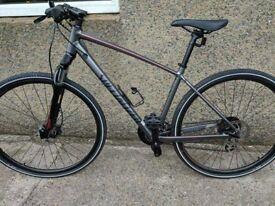 ** REDUCED PRICE ** Men's Specialized Crosstrail Disc Hybrid Bike- Like New!