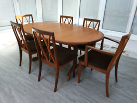 G Plan Extending dining table with chairs