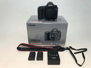 Canon 5D Mark III + FREE extra accessories