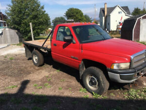 1997 ram 2500 12 valve Cummins / with Fisher plow