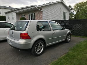 2000 Volkswagen Golf Coupé (bas milage) - 2000$ nego