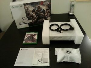 (MINT) XBOX ONE S 1TB & 1 GAME WITH EVERYTHING IN BOX