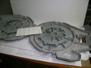 Star Wars Millennium Falcon figure carrying case Kitchener / Waterloo Kitchener Area image 4