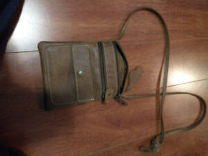 Women's Used Roots HandBag