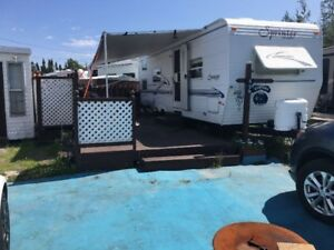Roulotte au camping  baie-st-ludger les buissons
