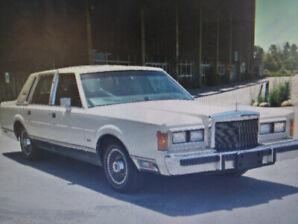 Lincoln Town Car Signature 1989