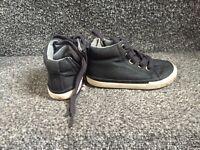Infant shoes size 5