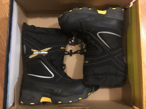 NEW boots boys size 2.