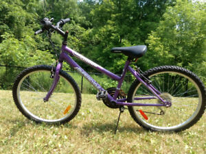 Supercycle Purple Girls bike 24 inch wheels - Great condition