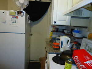Bachelor Apartment - Dufferin and Eglinton - Avail Immediately