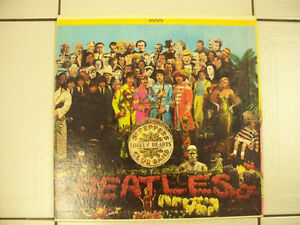 Beatles Sgt. Peppers LonelyHeartsClub Band LP on Capitol Cir1967