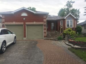 BARRIE: House for Rent