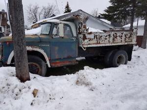 1963 Fargo D700 Hydraulic Dumper