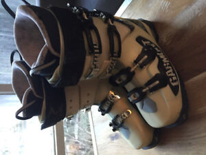 Garmont - Asylum 26.5 great women's boot for touring or the Hill