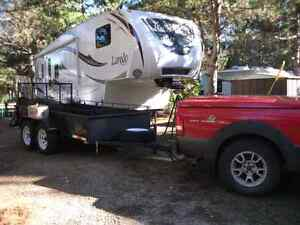Fifth wheel Laredo