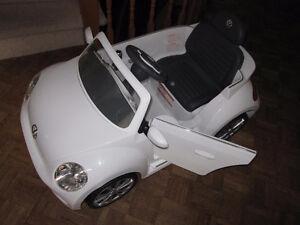 Aria Child 6V RIDE ON VW BEETLE - White Kitchener / Waterloo Kitchener Area image 4