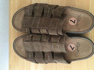 REDUCED New unisex sandals men's size 7 woman's 8.5