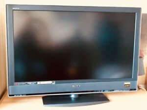 "Sony Bravia LCD 40"" TV - 1080 Full HD"