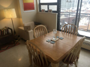 1 to 2 month sublet of 1 bedroom apartment. Downtown. April 1