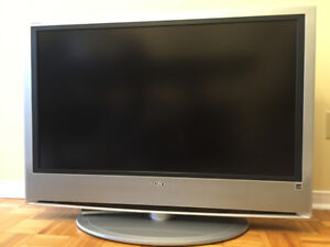 SONY BRAVIA LCD TV 42 inches  (MADE IN JAPAN)