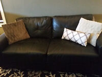 Selling 3 piece sofa set