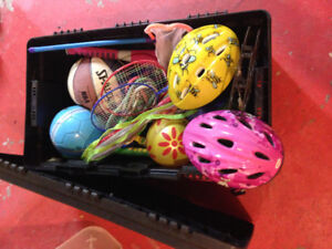 TOYS - CONTAINER INCLUDED