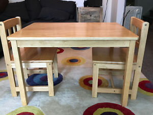 Solid wood kids table and 2 chairs