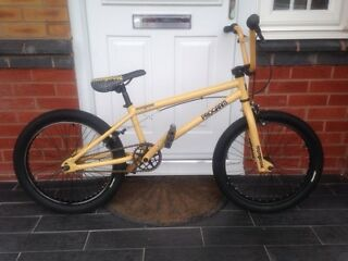 MONGOOSE PROGRAM BMX BIKE
