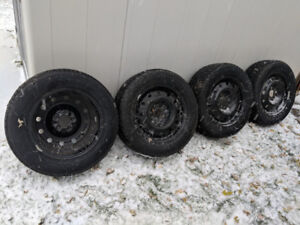 Winter Tires Motomaster Winter Edge 225/60R16 on steel rims