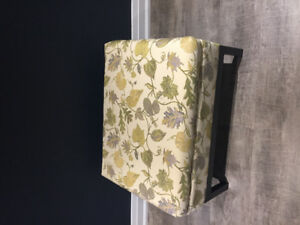 Gorgeous Ottoman with Leaf / Floral Detail
