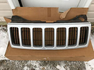 2008 Jeep Grand Cherokee front grill