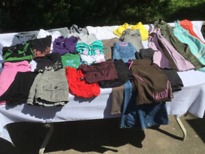 Lot #2 Vêtements femme grandeur SMALL,  Volcom, Roxy, Billabong.