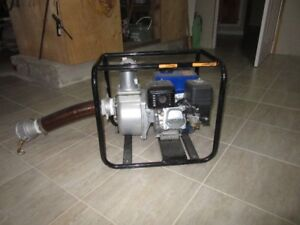 Water Pump, Vonn 6.5HP like new with 150 feet of hose