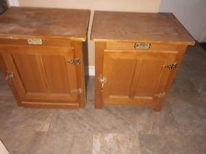 2 End tables/ night stands $20.00 pair