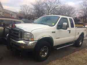 2004 Ford F-350 lariat Pickup Truck 165,000 MILES