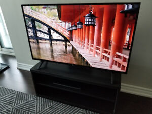 "LG 43"" inch 1080p TV (43LJ5000) mint condition"