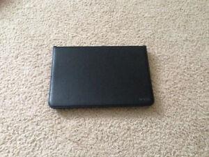 Étui pour tablette Asus Pad 10 pouces ME102A ou ME103K. Noire.