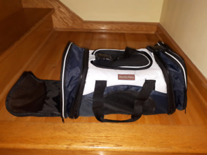 Carry bag for small dogs or cats