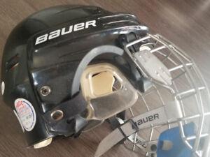 Équipement de hockey patins, casques, pads, coudes...
